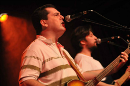 Imagem: Kildare Rios e Eduardo Neves integram a Rubber Soul, cover dos Beatles