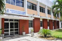 Imagem: fachada da Pró-Reitoria de Extensão da UFC (Foto: Ribamar Neto)