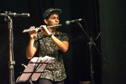 Imagem: Dentre os instrumentos utilizados nos projetos musicais estão a flauta transversal, o clarinete, o saxofone e outros (Foto: Viktor Braga/UFC)