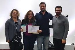 Imagem: O egresso do Curso de Ciência da Computação Macílio Ferreira e as docentes Maria Viviane Menezes e Leliane Nunes de Barros, de Quixadá, também foram premiados no ENIAC (Foto: acervo pessoal)