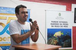 Imagem: Caberá ao Prof. Marcelo de Oliveira Soares, coordenador do Programa de Pós-Graduação em Ciências Marinhas Tropicais do LABOMAR, conduzir a elaboração do plano de manejo do parque (Foto: Ribamar Neto/UFC)