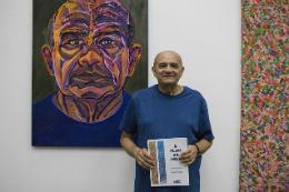 Imagem: Stênio Burgos é graduado em Arquitetura e Urbanismo pela UFC e estudou desenho e pintura no Estudi Chelsea, em Barcelona (Espanha) (Foto: Ribamar Neto)