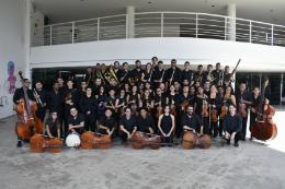 Imagem: O espetáculo é produzido por cerca de 70 músicos que compõem o grupo e por 16 cantores solistas (Foto: Gabriela Queiroz)