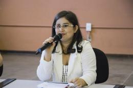 Imagem: A diretora da Biblioteca de Ciências da Saúde (BCS), Nicácia Lina do Carmo