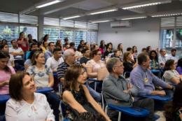 Imagem: O público lotou o auditório para prestigiar os inventores do Natchup (Foto: Ribamar Neto/UFC)