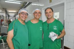 Imagem: Os médicos Edson Lucena, Carlos Augusto e Herlanio Costa, do Complexo Hospitalar da UFC (Foto: Unidade de Comunicação Social da MEAC)