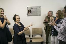 Imagem: A cerimônia de inauguração dos biotérios contou com homenagem à Profª Maria da Guia, criadora do Biotério Central da UFC (Foto: Ribamar Neto/UFC)