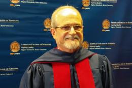 Imagem: Prof. Heládio Feitosa é docente do Departamento de Cirurgia da UFC desde 1992