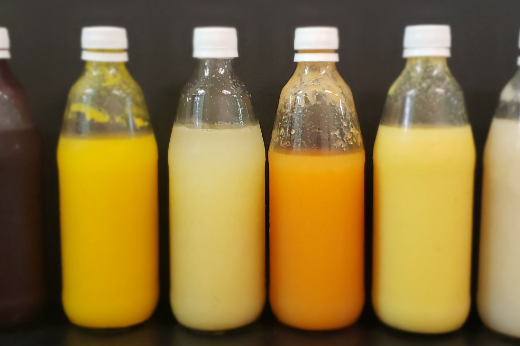 Imagem: Sucos probióticos de açaí, laranja, caju, melão, caju e cupuaçu produzidos pela pesquisa (Foto: Divulgação)