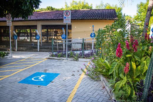 Imagem: Obras de acessibilidade e urbanismo do Departamento de Zootecnia, no Campus do Pici (Foto: Ribamar Neto/UFC)